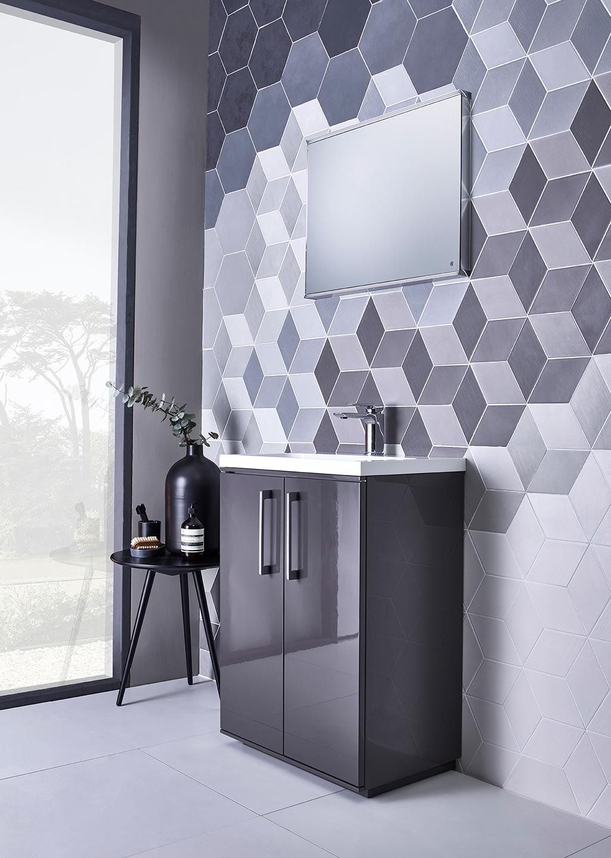 scheme modern lustre bathroom fitted